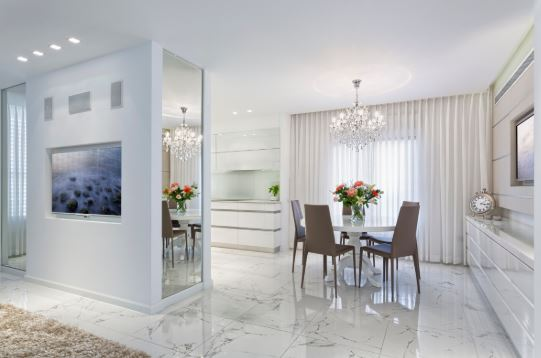 Staging Dining Room - Centerpiece